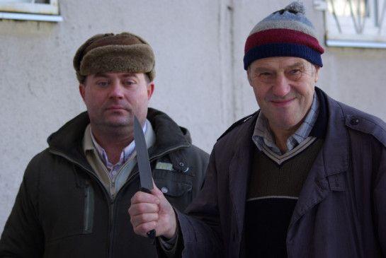 Jenja (Ewgenij Sytyj, l.) und sein Beschützer (Sergej Dreiden)