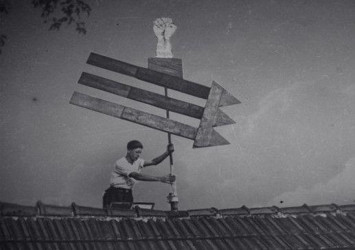 """Die """"drei Pfeile"""" von Sergej Tschachotin und Carlo Mierendorff wurden ab 1932 zum Symbol gegen das Hakenkreuz"""