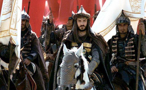 Sultan Mehmed II. (Devrim Evin) führt sein Heer nach Konstantinopel