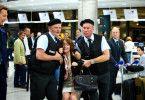 Endstation Polizeigriff. Dabei hatte Caroline Peters nur nach Berlin fliegen wollen ...