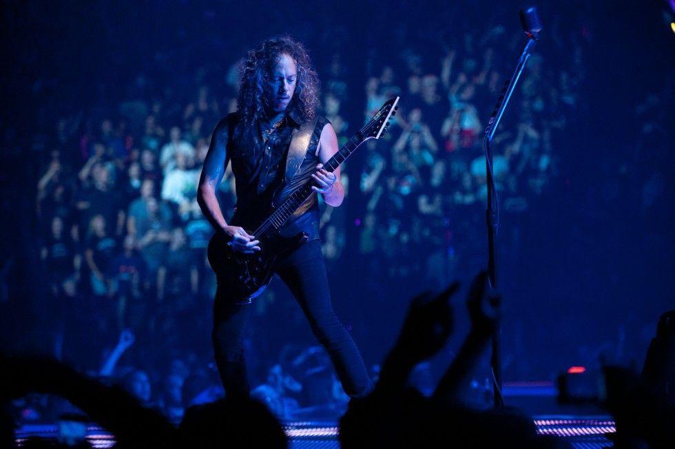 Dunkel ist's beim Metallica-Konzert