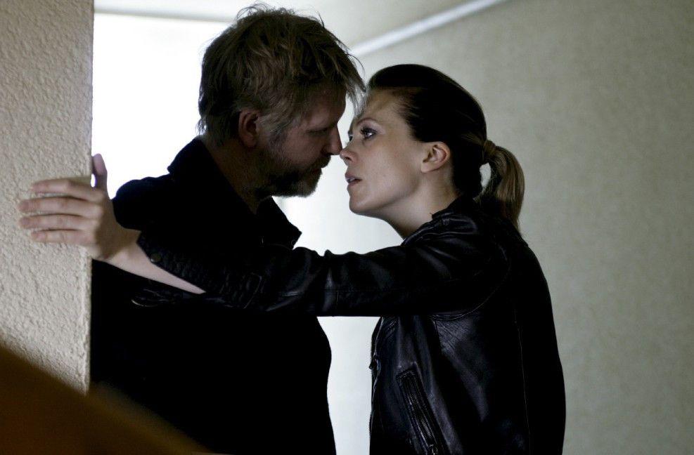 Kann Varg Veum (Trond Espen Seim) der schönen Elise (Ane Dahl Torp) trauen?
