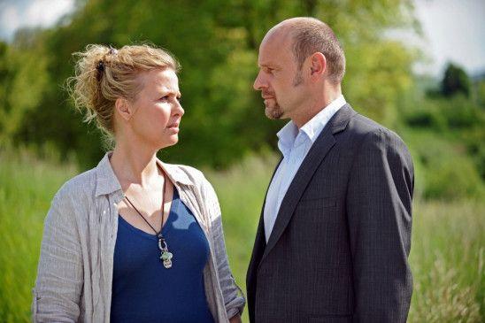 Doris (Katharina Böhm) macht sich Sorgen um ihren Mann (Oliver Stokowski) und um ihre Ehe