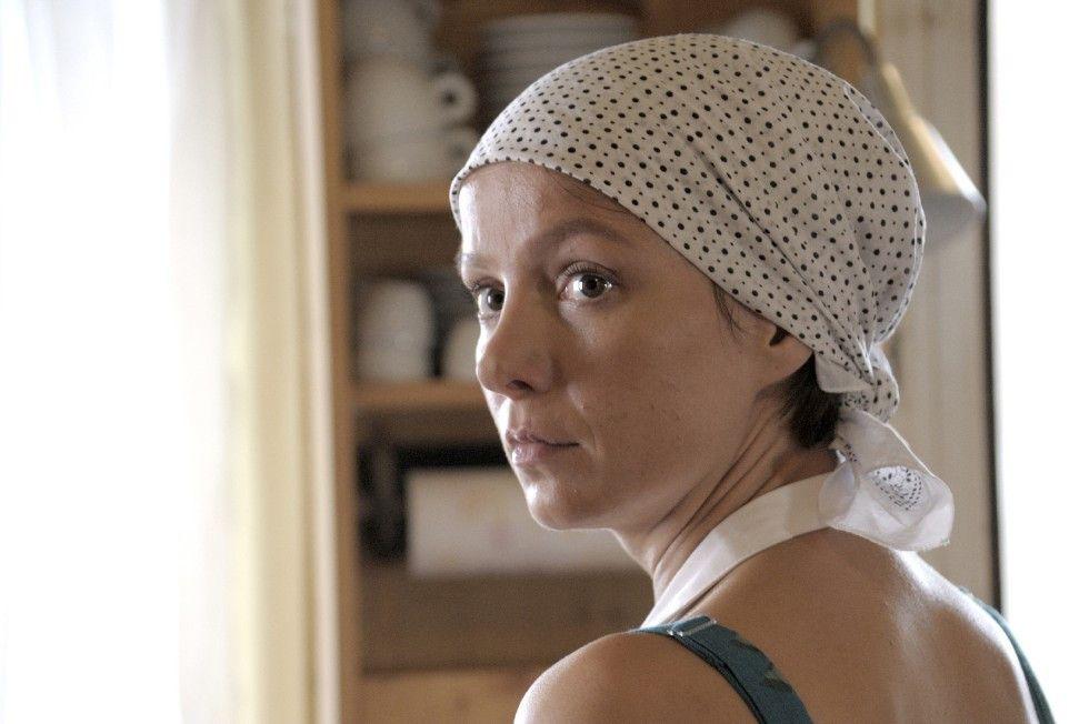 Das Leben von Bio-Bäuerin Helena (Julia Koschitz) gerät aus der Bahn ...