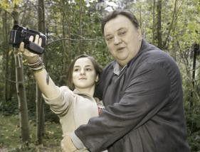 Ich bin doch gar nicht fotogen! Dieter Pfaff und  Laura Charlotte Syniawa