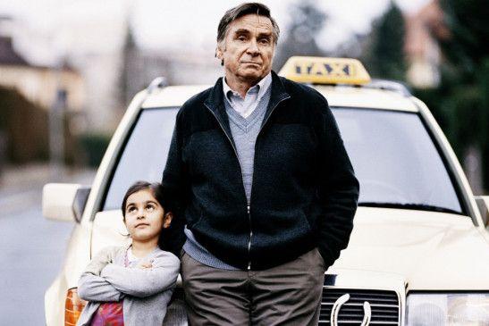 Allein mit dem kleinen Mädchen: Elmar Wepper mit Mercan Türkoglu