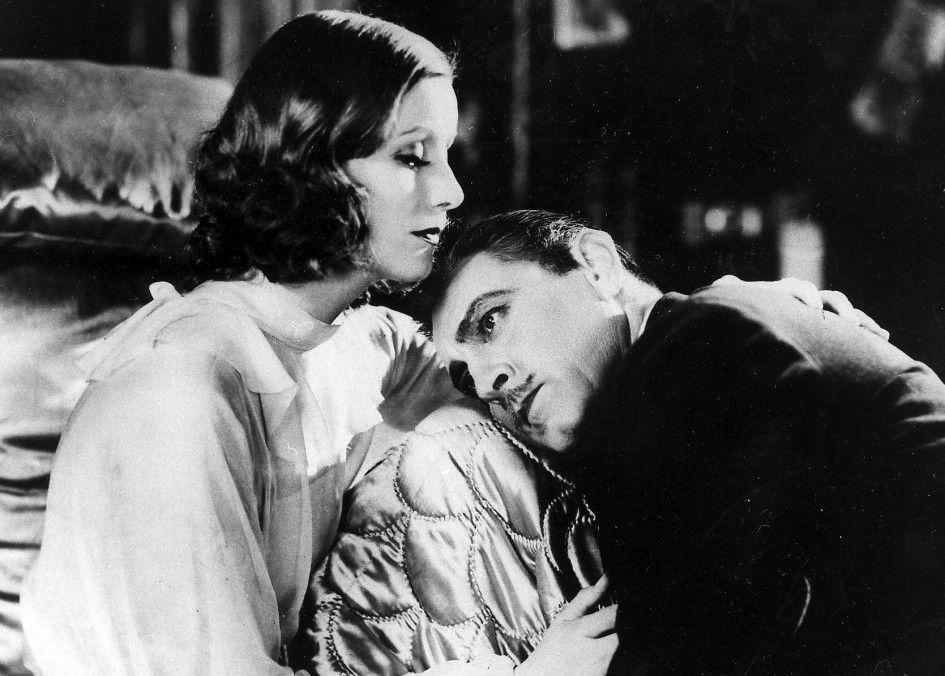 """John Barrymore und Greta Garbo sind zwei """"Menschen im Hotel"""""""