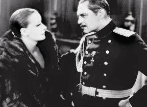 Wie geht's, Herr Offizier? Greta Garbo und Lionel  Barrymore