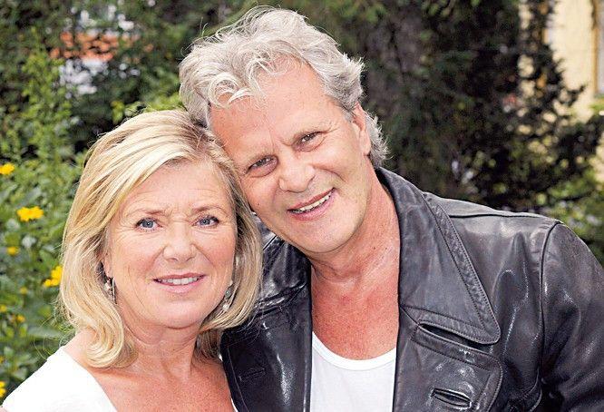 Noch sind sie glücklich: Jutta Speidel und Peter Sattmann