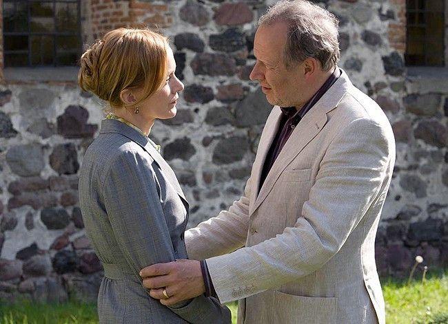 Beate (Katja Flint) stellt Steffen (Axel Milberg) zur Rede