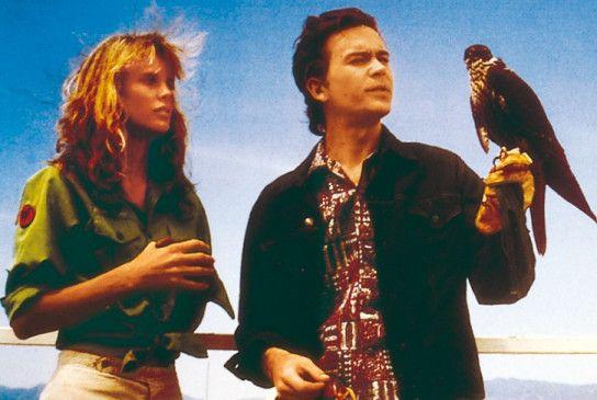 Das ist zwar ein Falke, aber ich bin kein Schneemann! Timothy Hutton erklärt es Lori Singer