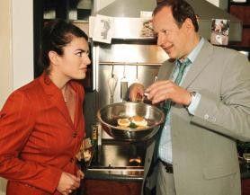 Das sind deine ganzen Kochkünste? Christine Neubauer und Axel Milberg