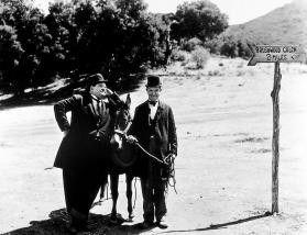 Du, Ollie, wer ist hier eigentlich der Esel? Stan Laurel (r.) und Oliver Hardy