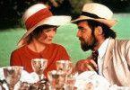 Ich will nicht nur an deinem tollen Hut knuspern... - Alan Bates und Jennie Linden