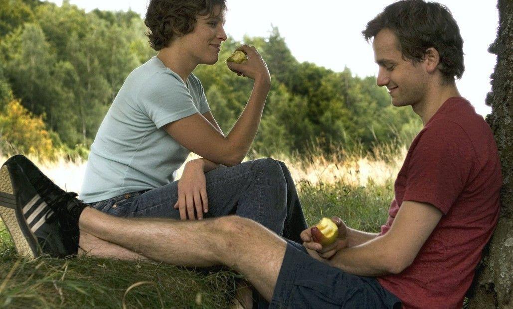 Noch scheint sich Vanda (Katharina Lorenz) bei David (Florian Stetter) wohl zu fühlen