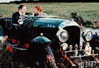 Charles Chingford (James Robertson Justice, l.) lässt Murdoch (Stanley Baxter) nur mit seiner Tochter ausgehen, wenn er den Bentley fahren kann