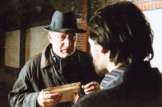 Er soll wieder töten - Hans Croiset (l.) als Simon
