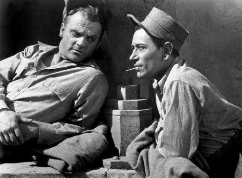 Frank Ross (James Cagney, l.) freundet sich in der Haft mit Gangsterboss Stacey (George Raft) an