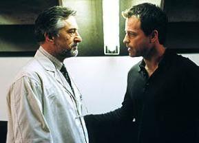 Sind sie der Teufel? Greg Kinnear (r.) und Robert De Niro