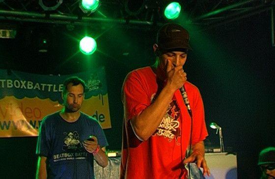 Wetlipz (r.) gibt eine fulminate Beatbox-Einlage