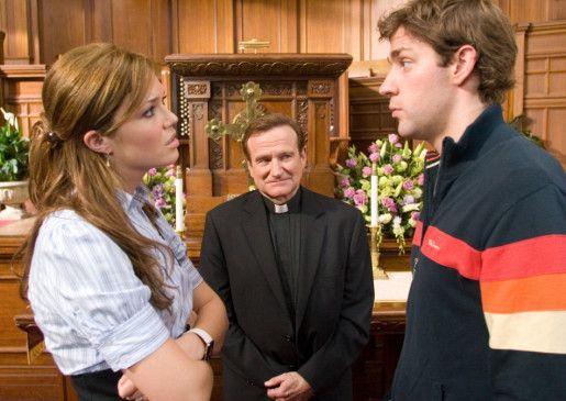 Der Pastor wird's richten! Robin Williams (M.) als Seelsorger
