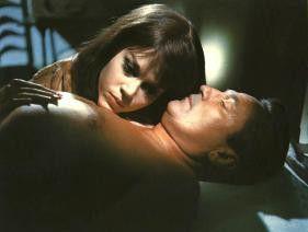 Gelangweilte Ehemenschen auf Abwegen: Jane Fonda  und Peter Finch amüsieren sich köstlich