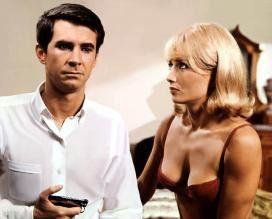Ein Schluck Champagner kann doch nicht schaden, oder? Anthony Perkins und Stéphane Audran