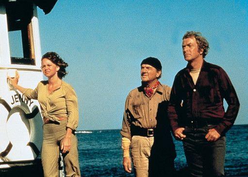 """Gleich müssten wir bei der """"Poseidon"""" sein: Michael Caine (r.) als Kapitän Turner"""