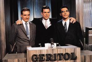 So sehen Rate-Helden aus: Christopher MacDonald  (M.) und seine Kandidaten Ralph Fiennes (l.) und  John Turturro