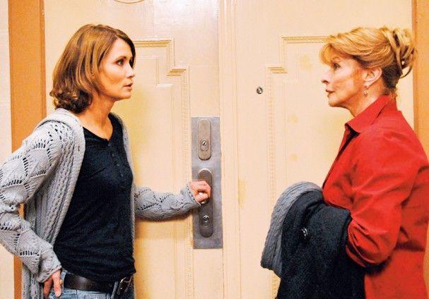 Was willst du denn hier? Christiane (Anja Kling) scheint nicht von ihrer Mutter (Senta Berger) begeistert zu sein