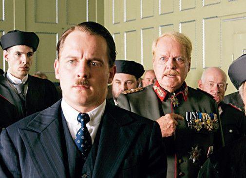 Mir kann keiner etwas! Johannes Zirner (M.) als Hitler