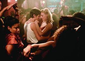 Verbotene Liebe im Nachtclub: Diego Luna und Romola Garai