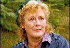 Umwelt-Aktivistin Lynne Fox (Maggie Steed) steht unter Verdacht