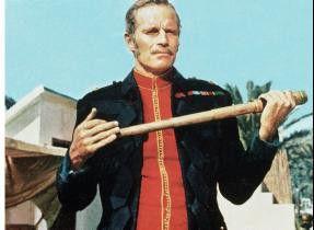 Mir ist jede Waffe recht! Charlton Heston als General Gordon
