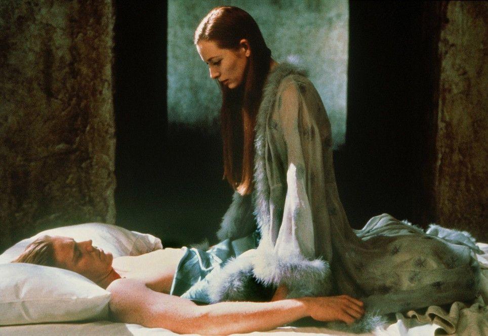 Isabella (Tilda Swinton) versucht vergeblich, die Gunst Edward II. (Steven Waddington) zu gewinnen
