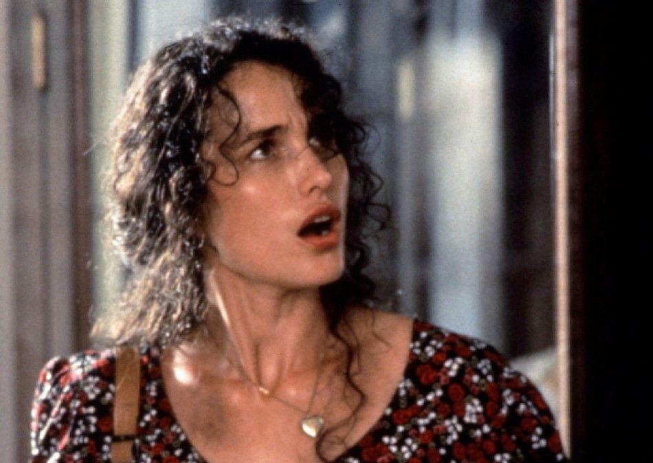 Bessie (Andie MacDowell) sucht ihren verschwundenen Mann