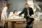 Als Mediziner top, als Mensch ein Flop: Dr. House (Hugh Laurie) mit Lou (Christine Woods, M.) und Dr. Hadley (Olivia Wilde, l.).