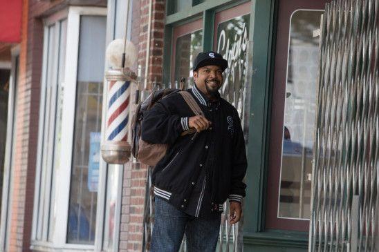 Über zehn Jahre sind vergangen seit unserem letzten Besuch in Calvin's Barbershop. Calvin (Cube) gibt es immer noch – ebenso wie Eddie (Cedric) und die übrigen langjährigen Mitarbeiter.