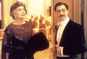 Die schöne Odette (Catherine Deneuve, mit Marcello  Mazzarella) hatte es Proust angetan