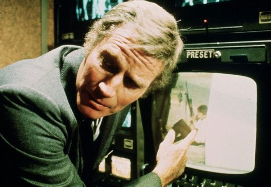 Ich werde den Sniper fassen! Charlton Heston als Sicherheitschef Holly
