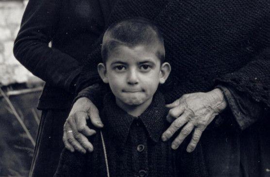 Verlor nicht nur seine Eltern bei dem Massaker: der kleine Argyris