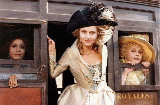 Hanna Schygulla in der Rolle der Comtesse Sophie de la Borde