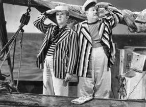 Ich sehe keine Hupen und Hörner! Stan Laurel und Oliver Hardy