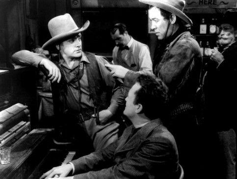 Wo finde ich die feigen Mörder? Oklahoma Kid (James Cagney, l.) will seinen Vater rächen