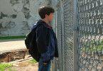 Jacob (Conor Donovan) besucht den Mörder seines Zwillingsbruders im Gefängnis