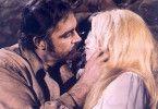 Sean Connery weiß schon, warum er sich Brigitte  Bardot gegenüber recht hilfsbereit zeigt
