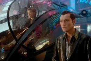 Na, das ist aber bunt hier! Roboter unter sich: Haley Joel Osment und Jude Law (v.l.).