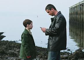 Endlich ein echter Vater? Jack McElhone und Gerard Butler