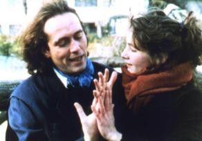 Mit Händen und Füßen: Trotzdem kann Horace (Serge  Renko) seine Geliebte (Aurore Rauscher) nicht  festhalten