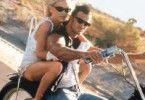 Heißa, nettes Moped! Amber Kain als entführte  Tochter